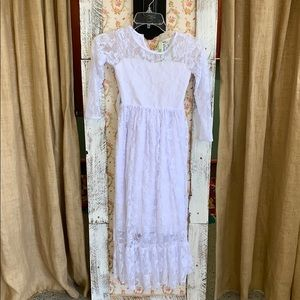 Other - Lace flower girl dress